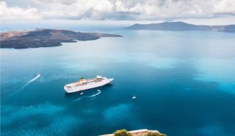 ارخص رحلة لجزيرة سانتورينى اليونانية الساحرة ب 7900 جنيه مناسبة لشهر عسل مميز