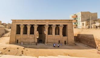 بالاسعار والمواعيد تعرف علي معبد خنوم في أسنا : تاريخه ، موقعه ، من هو الاله خنوم ، قصة اكتشاف المعبد
