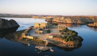 كل ما تريد معرفته عن معابد جزيرة فيله في اسوان (محتويات الجزيرة ، سبب التسمية ، اهم المزارات بالاسعار والمواعيد)