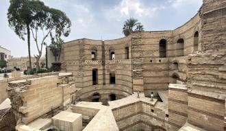 الكنيسة المعلقة: اكتشف تاريخ احد اقدم الكنائس بمصر وتعرف علي سبب تسميتها بهذا الاسم