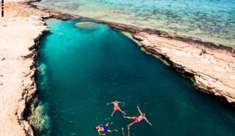 بحيرة النيزك جنة سرية مخبأة علي ارض مصر : تعرف معنا علي سبب التسمية والأسعار وافضل مواعيد الزياره .