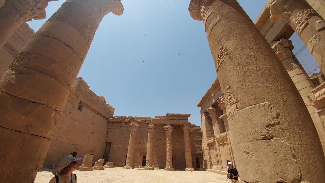 معبد كلابشة اسوان